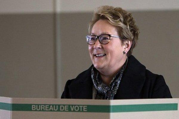 Líderka separatistov Pauline Maroisová po voľbách rezignovala.