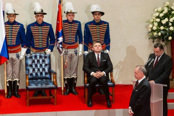 Premiérovi Robertovi Ficovi sa nepáčil výber vyznamenaných prezidentom Andrejom Kiskom. Teraz chce dávať vlastné ceny.