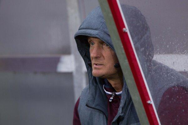 Tréner Karol Praženica napriek veľkým ambíciám nedosiahol  vytúžený cieľ.