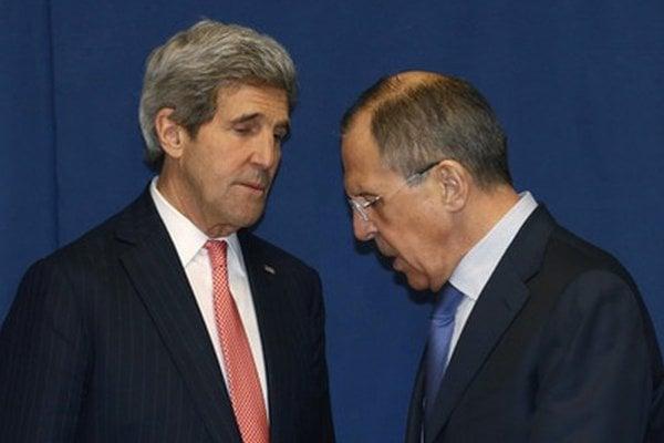 Americký minister zahraničných vecí John Kerry a jeho ruský kolega Sergej Lavrov.
