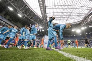Pri otváracom zápase proti Uralu dokázal Zenit Petrohrad zaplniť štadión sotva z tretiny.