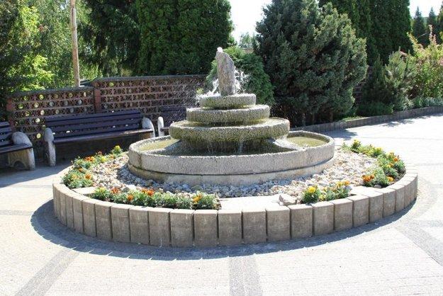 Opravená fontána.