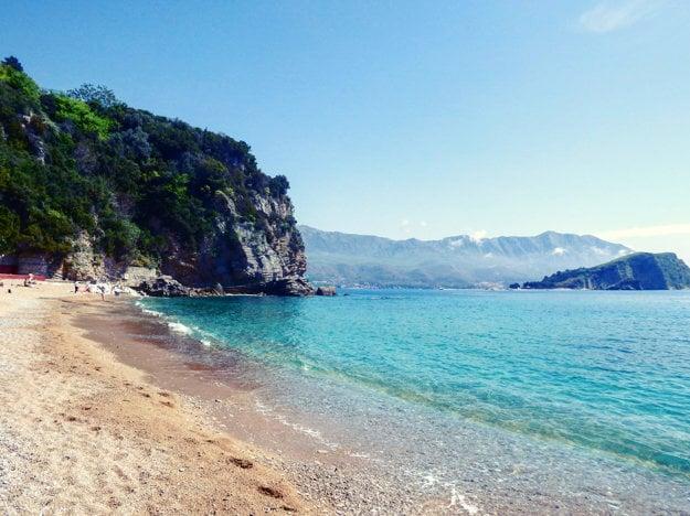 Pobrežie Čiernej Hory ponúka viac ako stovku pláží.