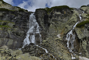 Na snímke je vodopád Skok v Mlynickej doline.