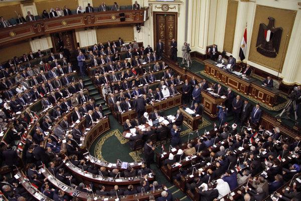 Ratifikácia v 596-člennom zbore bola vopred istá.