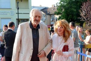 Prezident filmového festivalu. Vlani sa prešiel po červenom koberci aj s herečkou Vicou Kerekes.