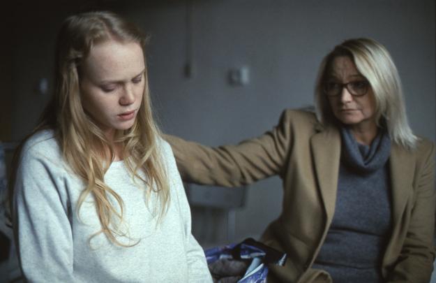 Dominika Morávková a Anna Šišková vo filme Špina stvárnili dcéru a matku.