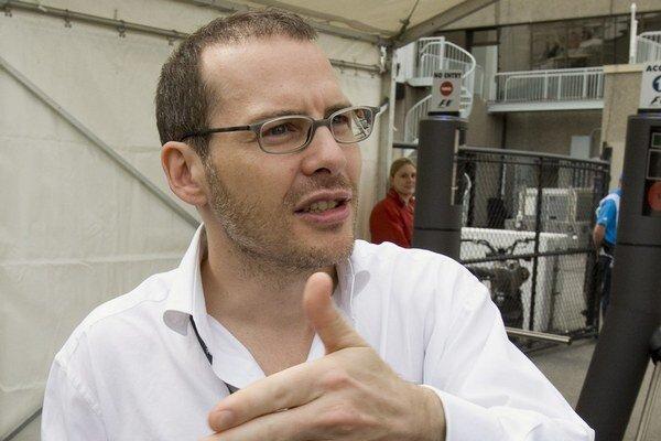 O maltský pas má záujem údajne aj bývalý šampión F1 Jacques Villeneuva.