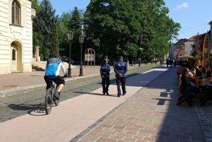 Takto si vykračovali. Vedenie mestskej polície ďakuje obyvateľovi za všímavosť a upozornenie.