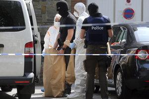 Polícia našla v byte útočníka predmety na výrobu bomby.