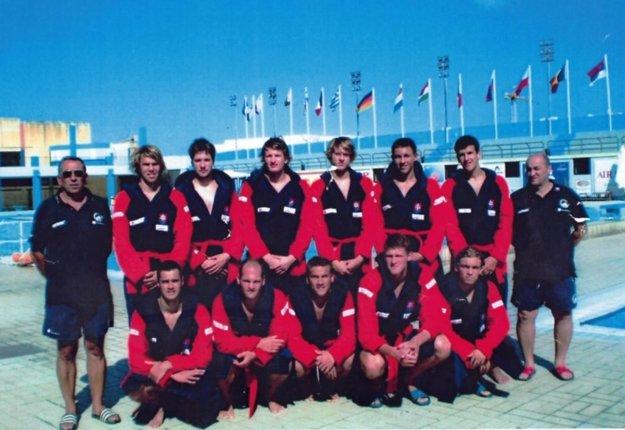 Peter Novosad (stojí úplne vpravo) s reprezentáciou kadetov v roku 2017 na ME na Malte.