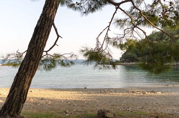 Pláž Phaselis v regióne Kemer.