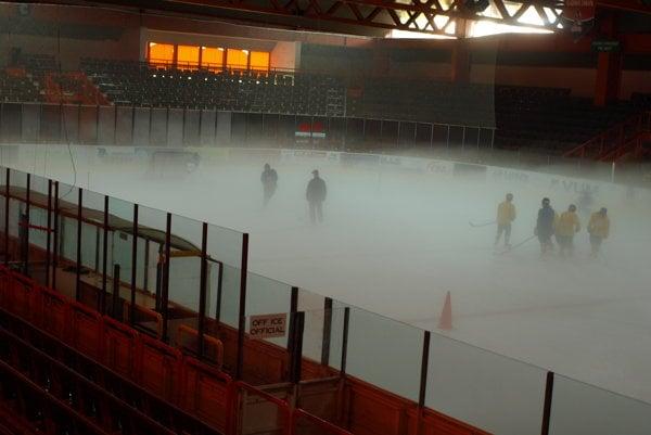Hokejisti dnes majú k dispozícii zimný štadión.