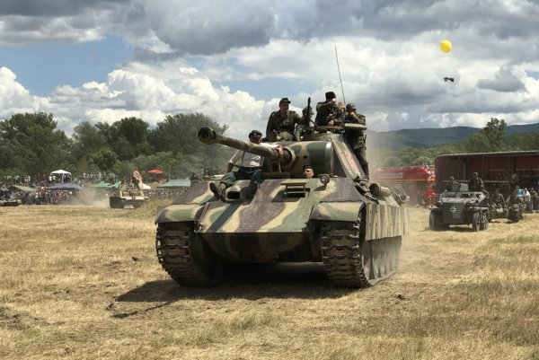Replika nemeckého stredne ťažkého tanku Panther.