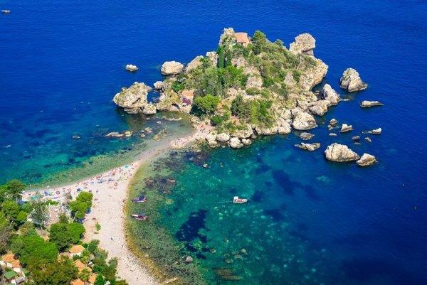 pláž Isola Bella