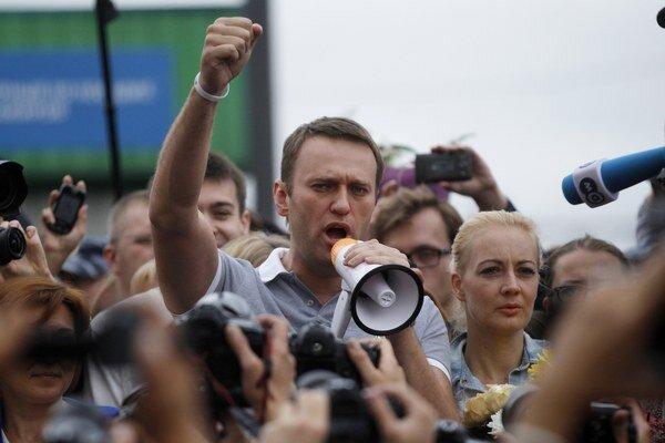 Alexej Navaľnyj má charizmu, dobré nápady aj chuť zmeniť život Moskovčanov. Je však proti Putinovi.