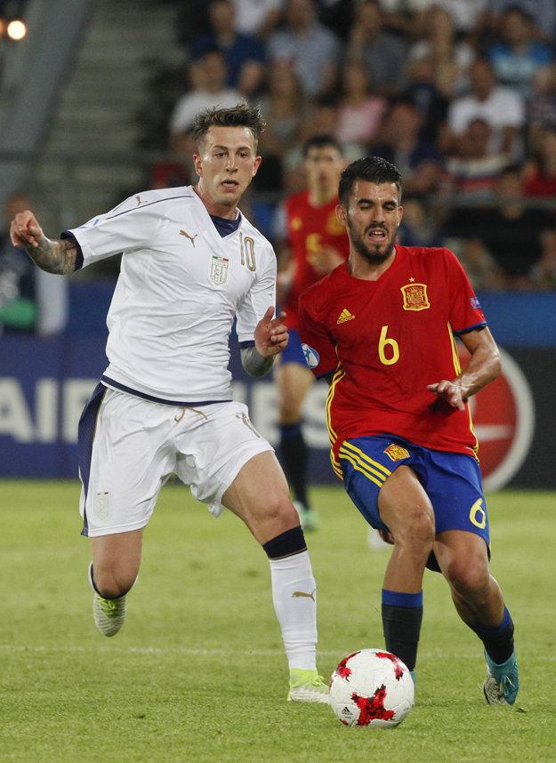 Dani Ceballos (vpravo) sa stal najlepším hráčom nedávnych ME vo futbale hráčov do 21 rokov.
