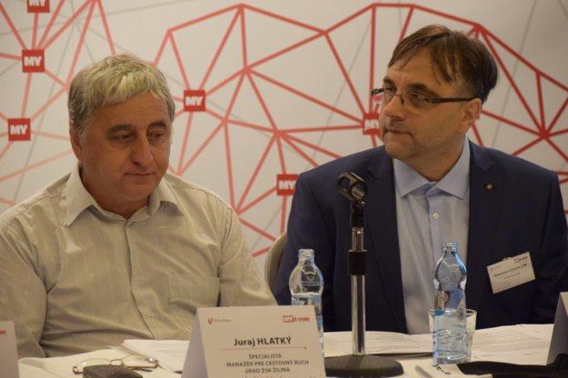 Juraj Hlatký (vľavo), expert na cykloturistiku z Úradu Žilinského samosprávneho kraja a moderátor Branislav Koscelník, redaktor MY Žilinských novín.