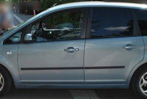 Auto Ford C-max.