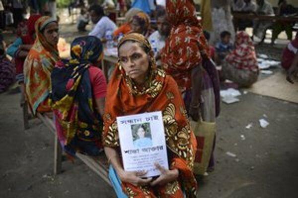 Bangladéšania sú pre svet lacnou pracovnou silou, na čo často doplácajú tragickými nehodami.