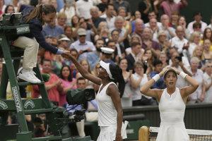 Španielska tenistka Garbine Muguruzová-Blancová spočiatku akoby ani neverila, že vyhrala slávny Wimbledon.