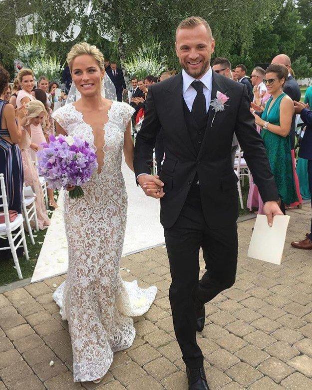 Nádherný párik. Prvé svadobné fotky zverejnili až 24 hodín po svadbe.