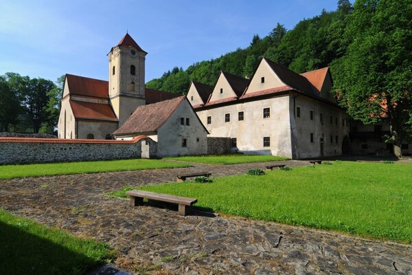 Areál kláštora.