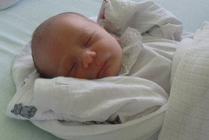 Michal Saloň - Rodičia Zuzana a Eduard z Krásna nad Kysucou majú od utorka 11. júla doma malú princeznú. V tento deň sa im narodilo prvé dieťatko- maličký Michal Saloň (2900 g, 53 cm). Meno Michal je hebrejského pôvodu a v preklade znamená