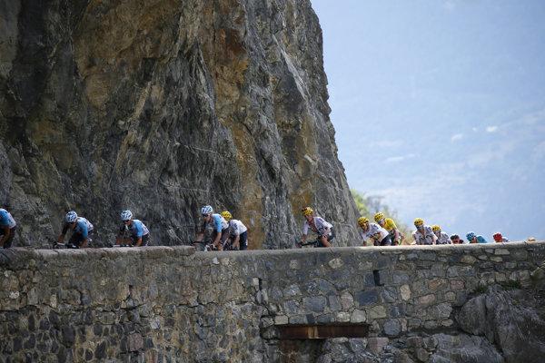 Na cyklistov čaká najdlhšia etapa na Tour de France 2017.