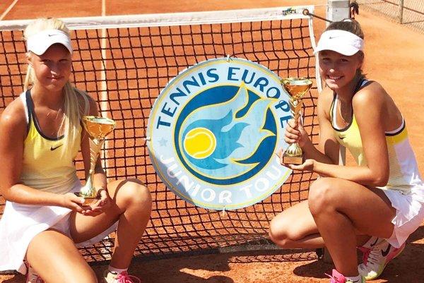 Bianka Behúlová (vľavo) vyhrala v Trnave turnaj vo štvorhre.
