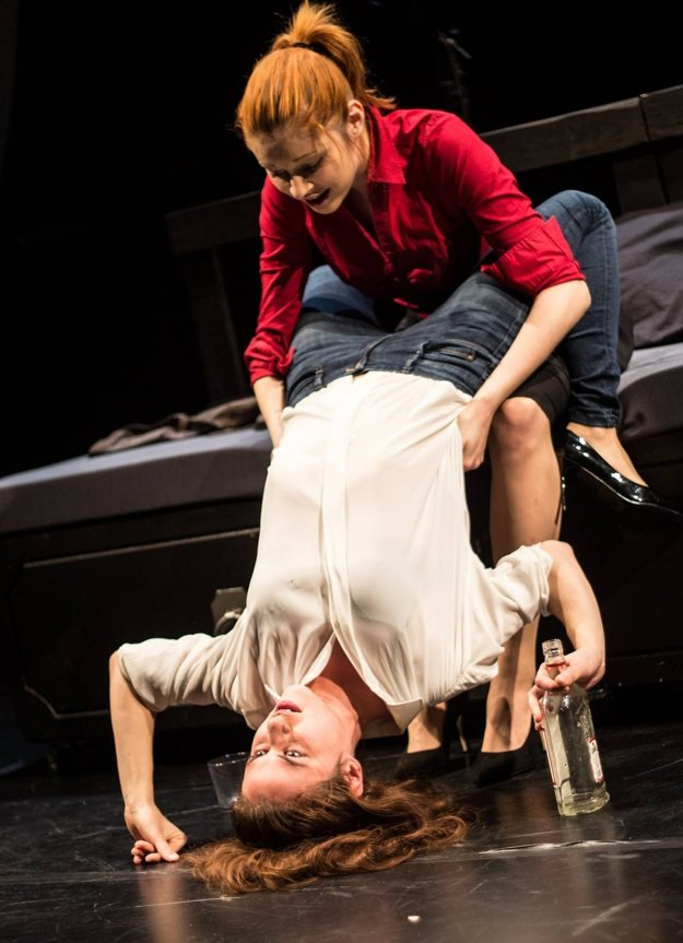 V školskom absolventskom predstavení Urbánny sexualizmus ako  Phyllis.