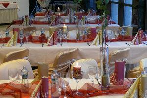 V zariadení sa pravidelne organizujú svadby, oslavy, či každoročný ples.