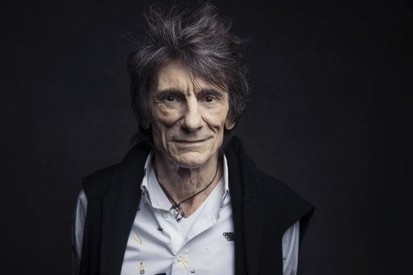 Gitarista britskej hudobnej skupiny The Rolling Stones Ronnie Wood.