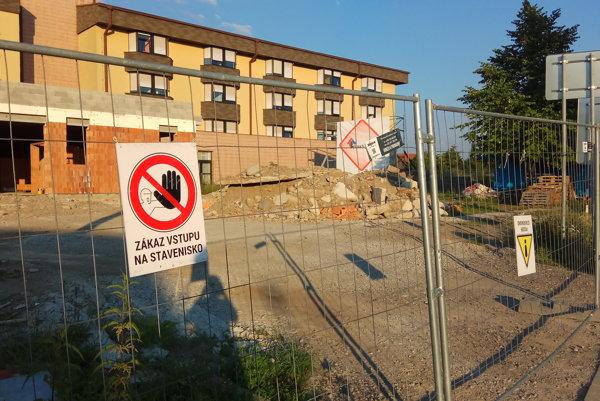 Urgentný príjem v nemocnici je stále vo výstavbe.