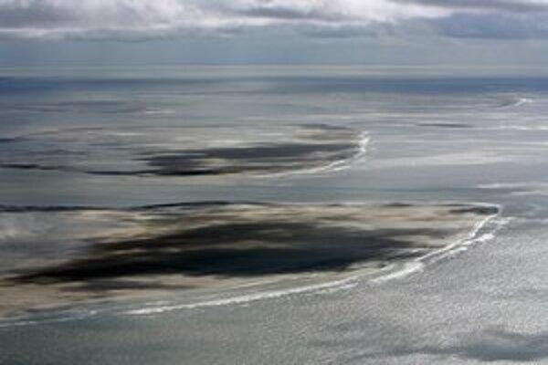 Nový ostrov Norderoogsand (v strede) na zábere z roku 2011.