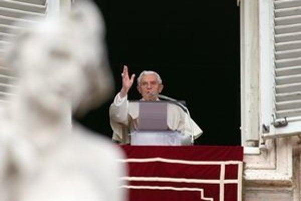 Benedikt XVI. uzavrel trilógiu o Ježišovi aj tým, že anjeli zvestovali dobrú novinu rečou, a nie spevom.