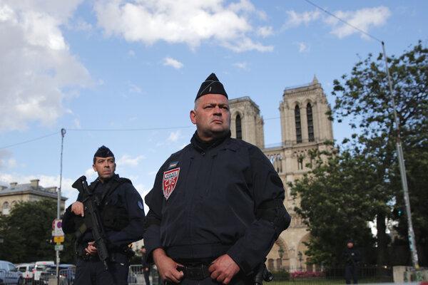 Vláda predstavila v piatok rozsiahly nový program boja proti radikalizácii.