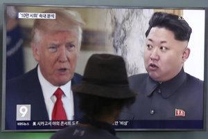 Donald Trump a Kim čong-un sa navzájom provokujú.