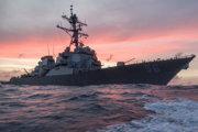 Torpédoborec USS John S. McCain.