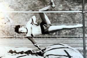 Mária Mračnová utvorila desať československých a 18 slovenských rekordov v skoku do výšky.