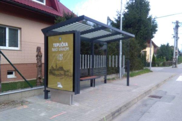 Nová zastávka v Tepličke nad Váhom.