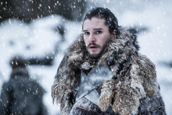 Po zdolaní všetkých prekážok v seriáli Hra o tróny padla na Jona Snowa ťažoba.