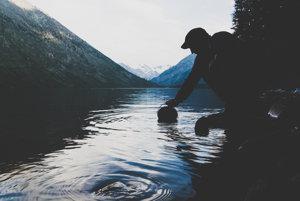 Bajkal sa mení na znečistené jazero