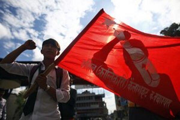 Ľavicový študenti na demonštrácii v Káthmandu.