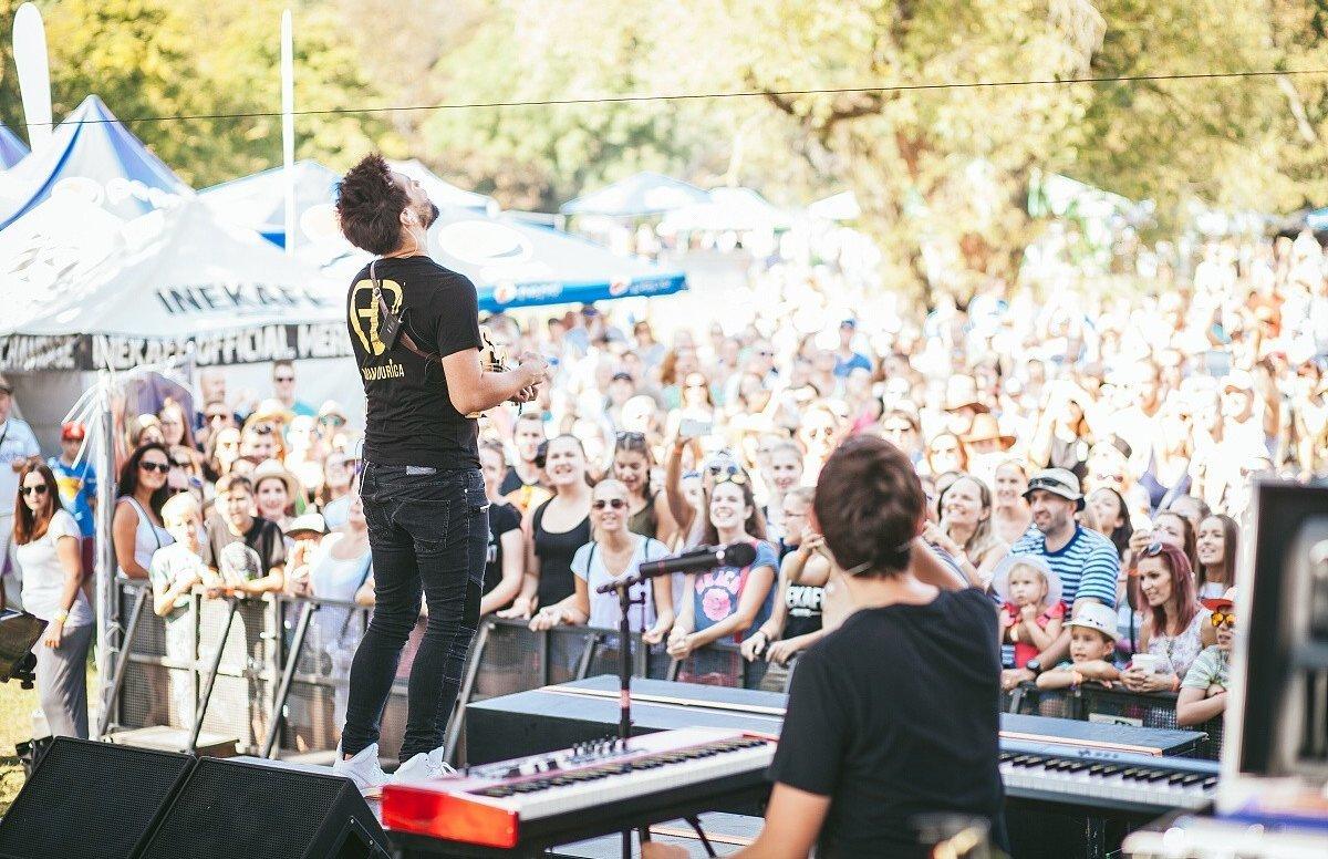 Na Červenom Kameni vystúpia najpopulárnejšie kapely - myzahorie.sme.sk ad8562a2506