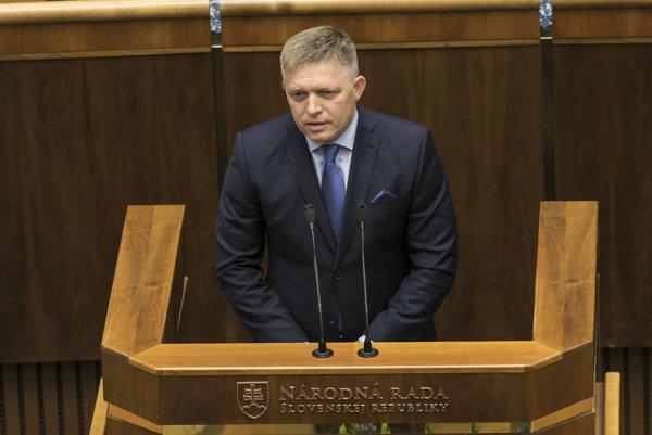 Na snímke predseda vlády SR Robert Fico počas príhovoru na slávnostnom zasadnutí parlamentu pri príležitosti 25. výročia prijatia slovenskej ústavy v Bratislave.