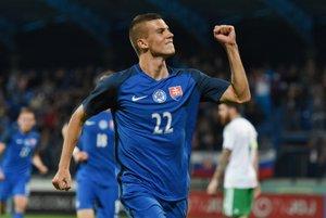 Na snímke sa raduje po strelení gólu hráč Slovenska Lászlo Bénes.