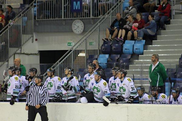 Aby si niektoré veci sadli, treba ešte čas. Tvrdí tréner HC Nové Zámky Štefan Mikeš.