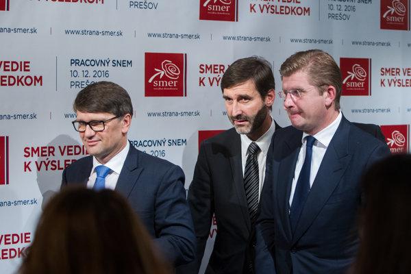 Marek Maďarič, Juraj Blanár a Peter Žiga (všetci Smer).