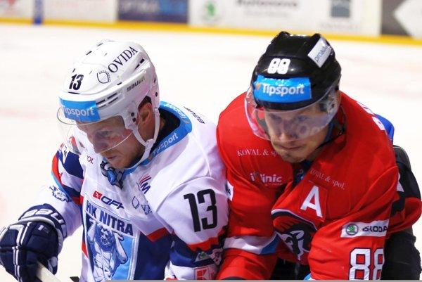 Michal Krištof (vľavo) na snímke zo zápasu v Banskej Bystrici.
